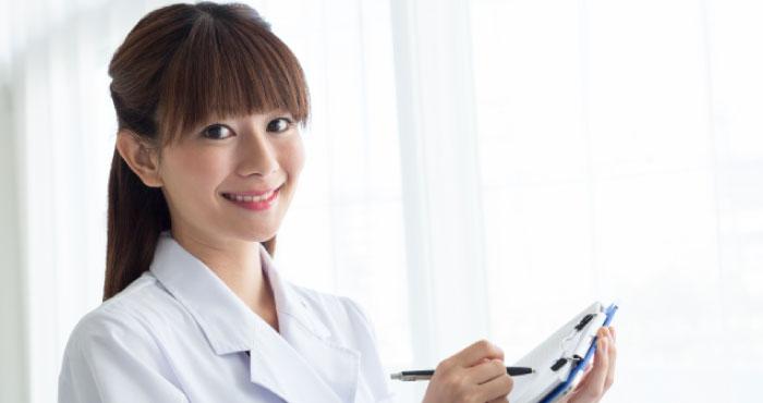 シミのレーザー治療と光治療の違いとは?